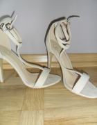 Sandałki Szpilki Nude
