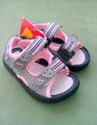 Sandałki rozmiar 22