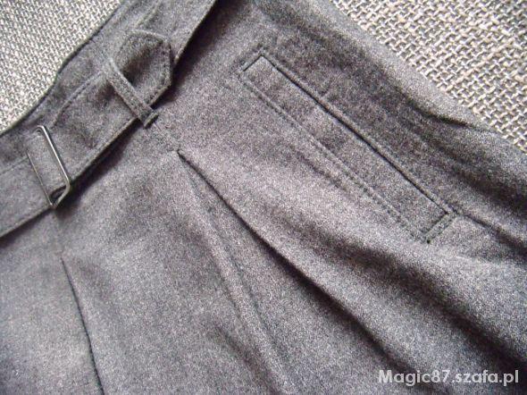 Spódnice rozkloszowana szara