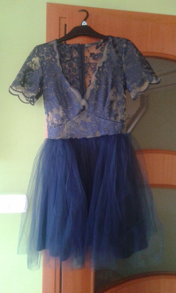 granatowa sukienka lou s
