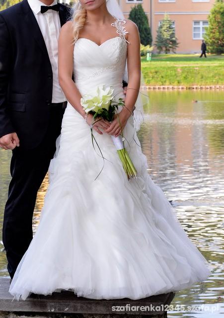 Przepiękna suknia ślubna...