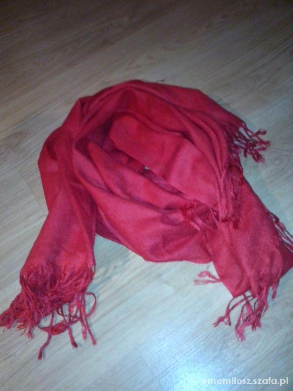 Chusty i apaszki czerwona chusta