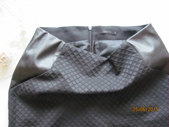 Spódnice MOHITO czarna klasyczka mini spódnica 34