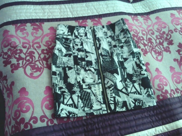 Spódnice spódnica imitacja gazety mohito niepowtarzalna