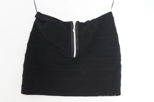 Spódnice 2 plus 1 gratis czarna spódniczka new look M