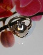 Srebrne jabłuszko pierścionek