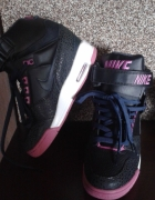 Nike Revolution Sky Dunk...