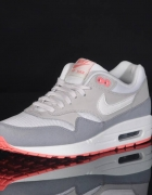 Nika air max one essential