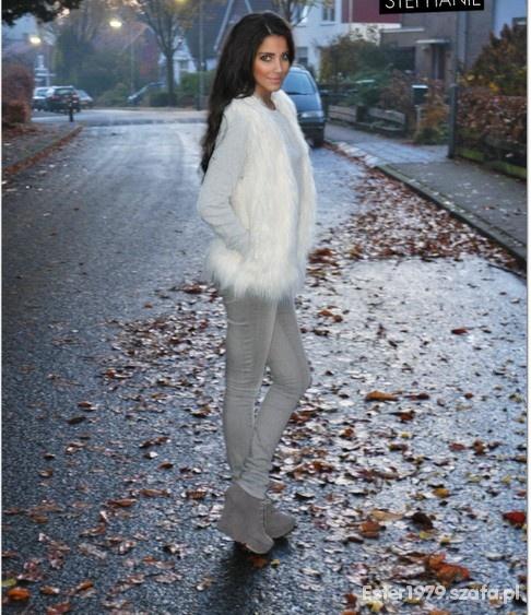 Codzienne Jesiennie szarość z bielą