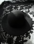 Stradivarius czarny wełniany kapelusz...