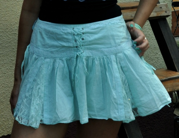Spódnice miętowa spódnica z wiazaniem