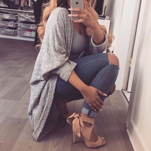 Blogerek Obszerny sweterek i piękne buty