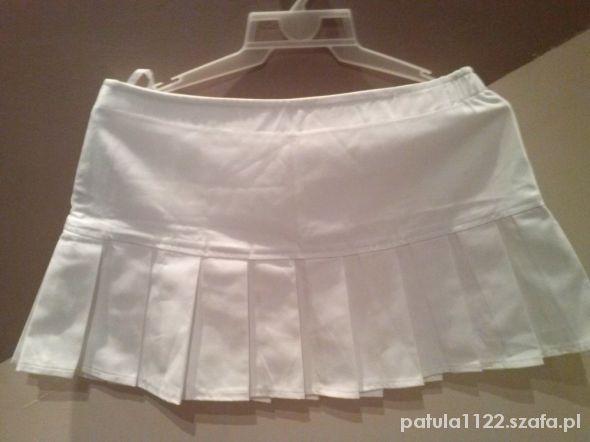 Spódnice mała mini