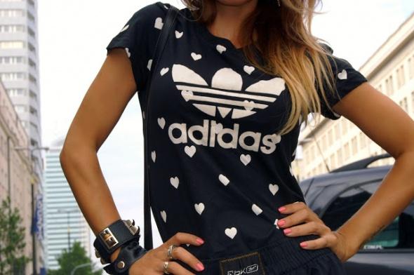 bluzka w serduszka Adidas