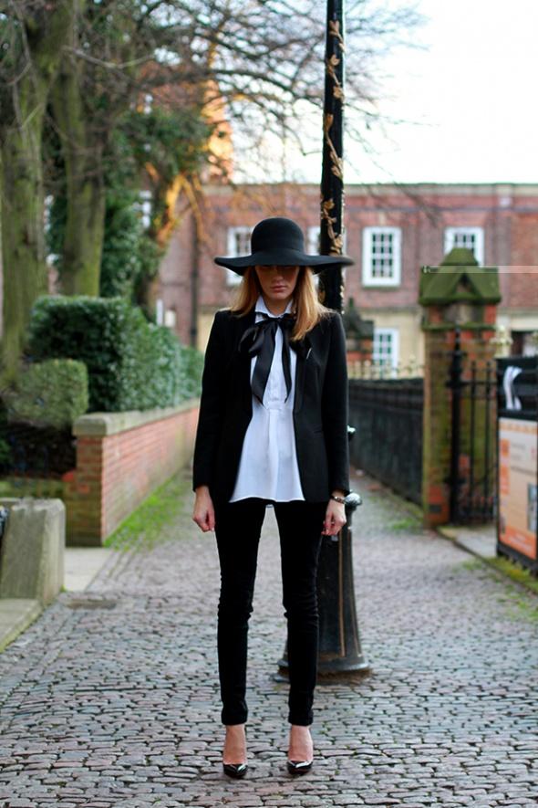 Eleganckie czarno białe