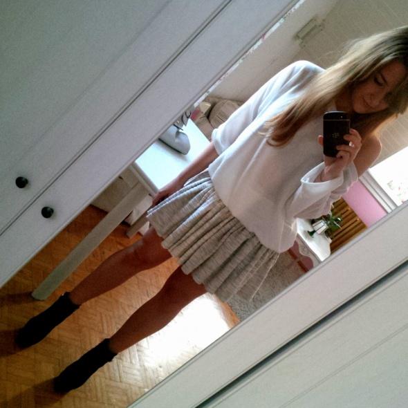Mój styl szara spódniczka