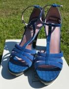 Nowe sandałki na grubym obcasie 38