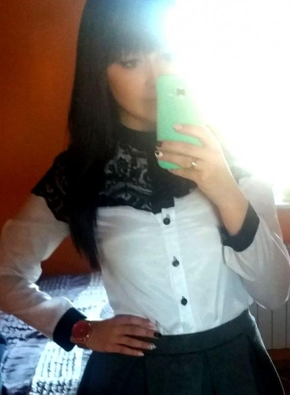 Mój styl Koronka & spódnica