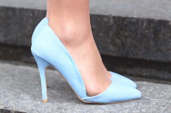 baby blue szpilki
