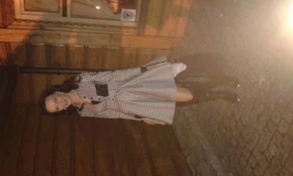 Na specjalne okazje Boska sukienka kratka i muszkieterki