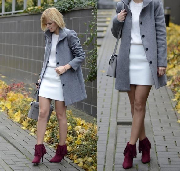 Blogerek Grey & white