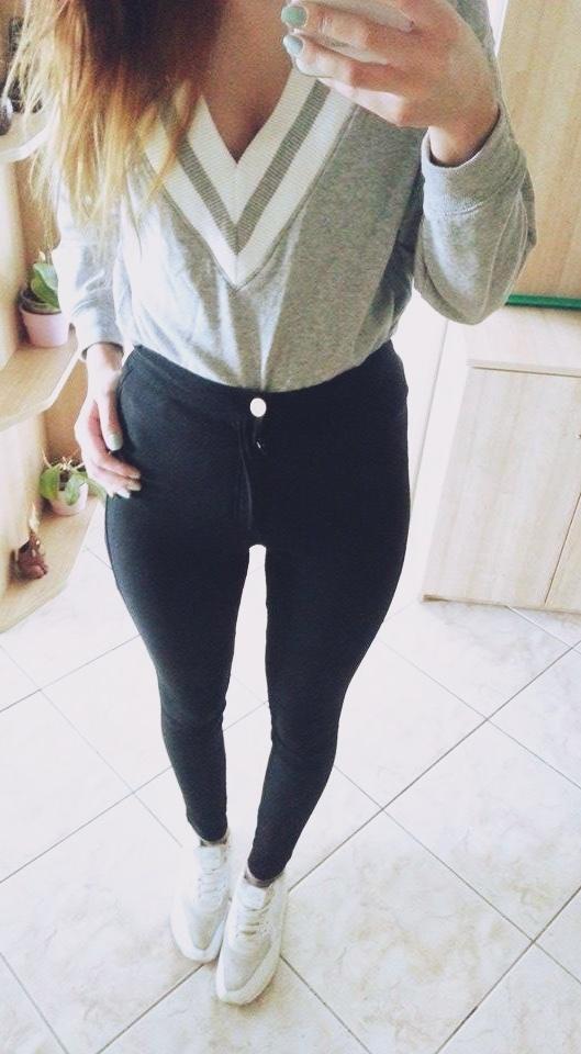 rurki spodnie HM wysoki stan woskowane czarne w Spodnie