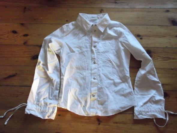 Biała bluzka z aplikacjami...