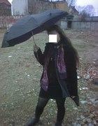 Czarny sztruksowy płaszcz
