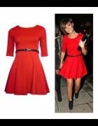 Rozkloszowana czerwona sukienka