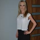 wysoki stan spodnica mini bluzka biala szeroka