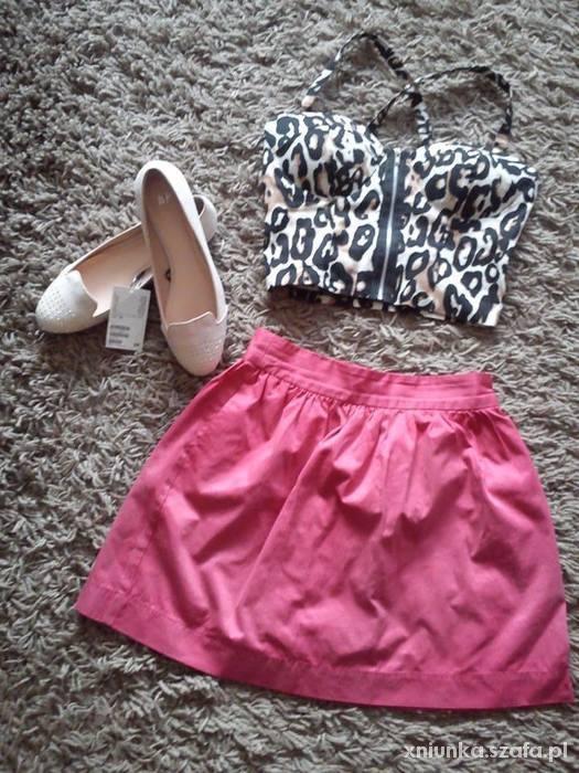 Spódnice Stradivarius różowa neonowa spódnica rozkloszowana