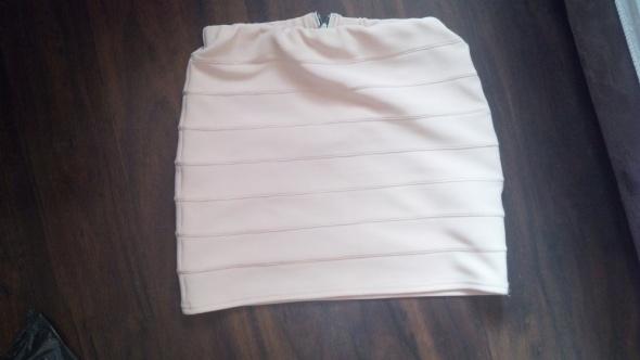 Spódnice Bandażowa spódniczka pudrowy róż New Look S