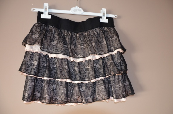 Spódnice Spódnica atmosphere mini koronkowa falbanki czarna
