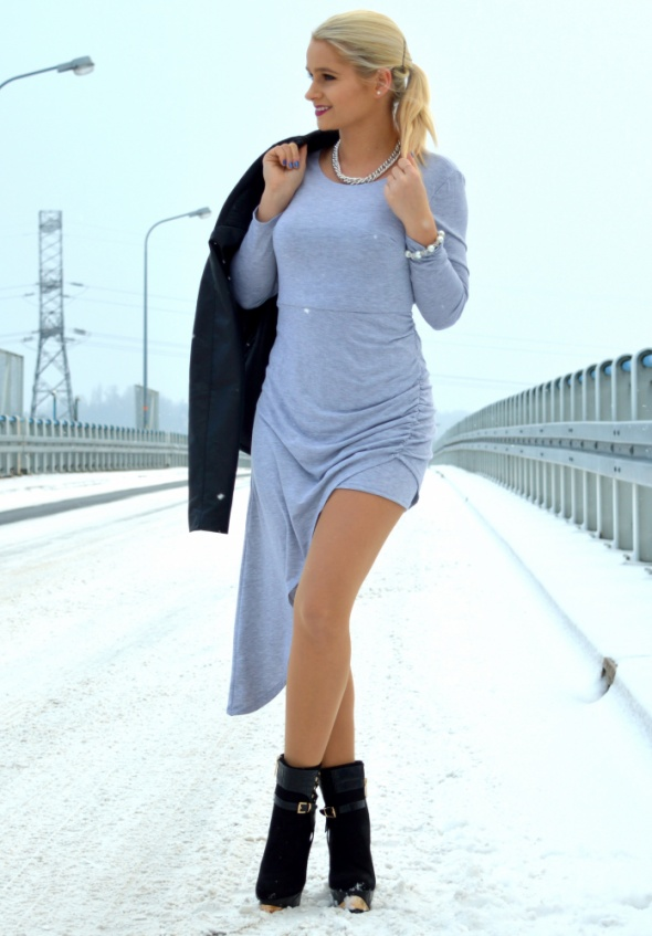 Blogerek Szara sukienka