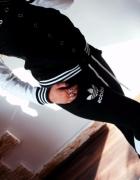 Dresik adidas biało czarny