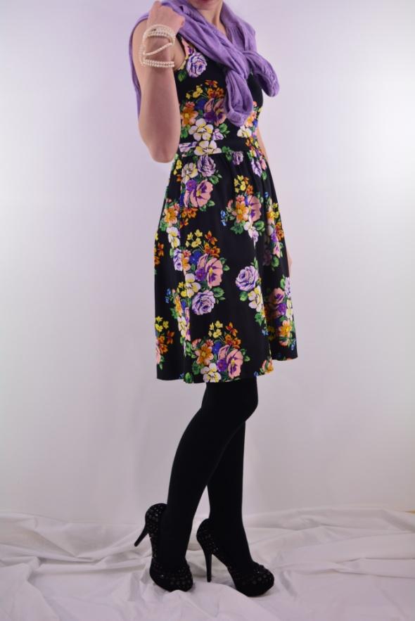 Na specjalne okazje sukienka w kwiaty