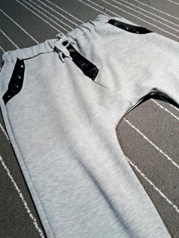 spodnie dresowe baggy