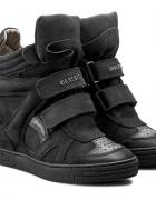 Sneakersy Carinii...