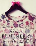 Przepiękna kwiecista bluzeczka...