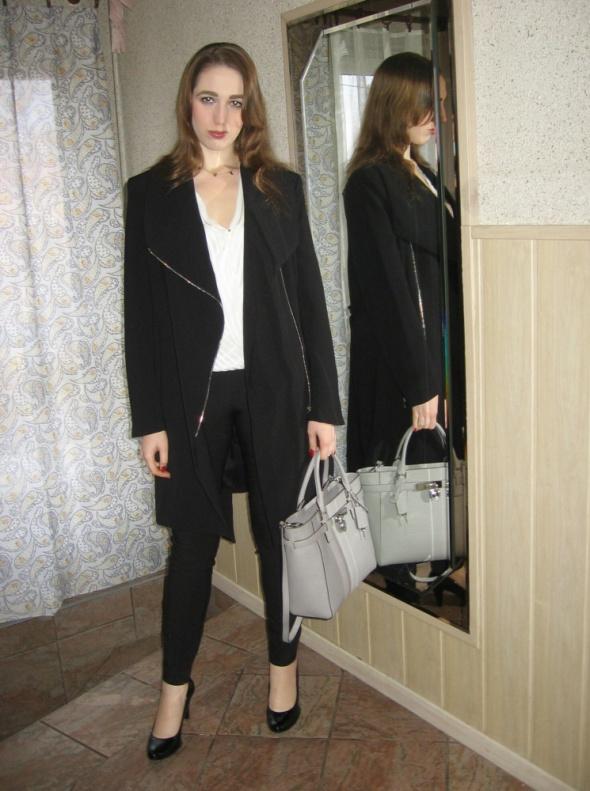 Eleganckie Czarny płaszcz