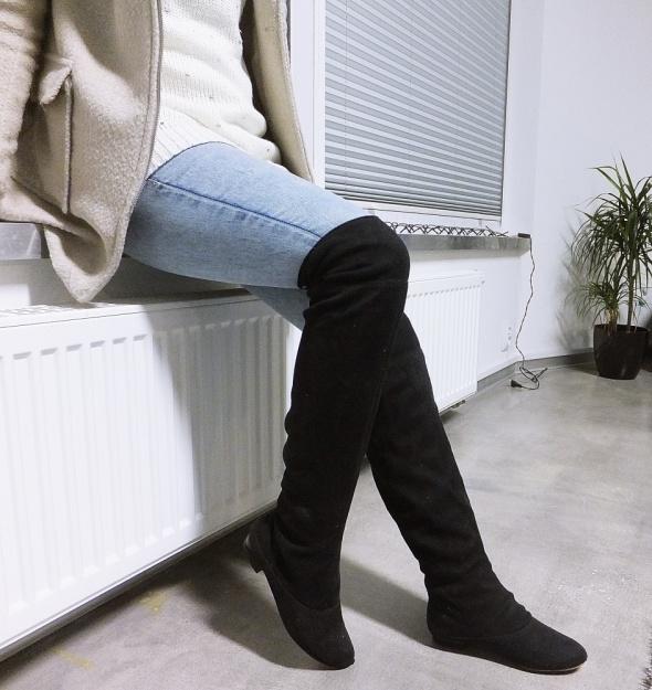 7754ff65f232 Długie kozaki za kolano zamszowe czarne w Kozaki - Szafa.pl