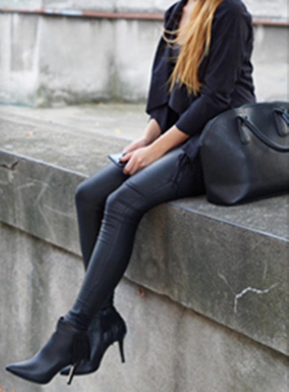 Codzienne lady in black