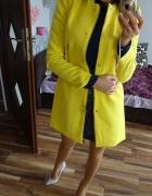 STRADIVARIUS żółty płaszcz trencz