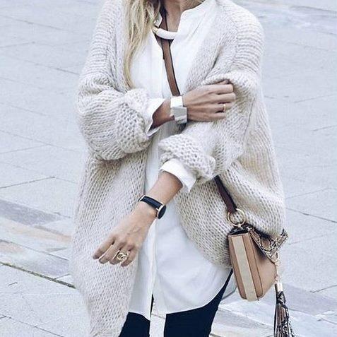 Codzienne Luźny kardigan ecru i biała bluzka