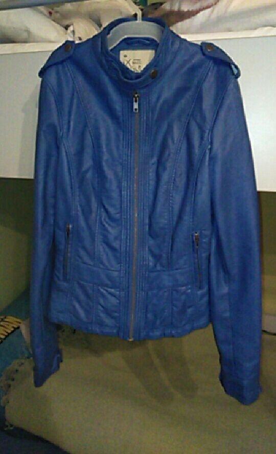 6051a95f6ff9e Niebieska kurtka skórzana Orsay w Odzież wierzchnia - Szafa.pl