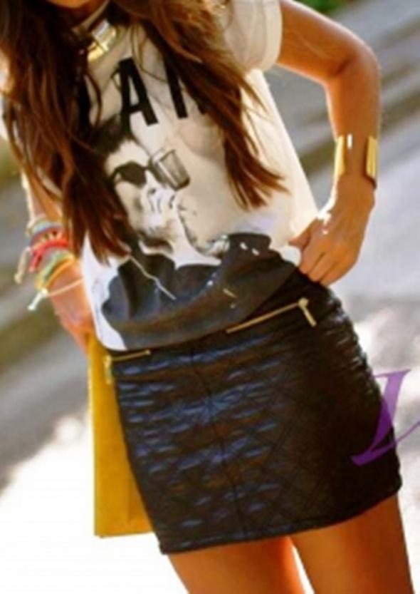 Spódnice Pikowana mini spódnica ekoskóra