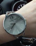 calvin klein zegarek z logo ck srebrny hit