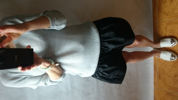 Codzienne Sweterek z satynową kokardką