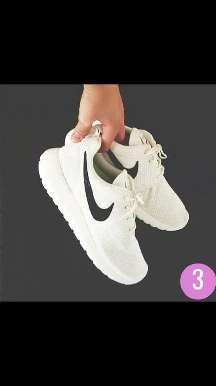 the best attitude a4ceb 91be3 Nike Roshe Run białe z czarnym znaczkiem