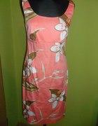 Piękna łosisiowa sukienka APART...